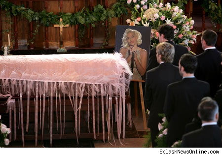 Anna Nicole's Casket attacked by giant gay squid