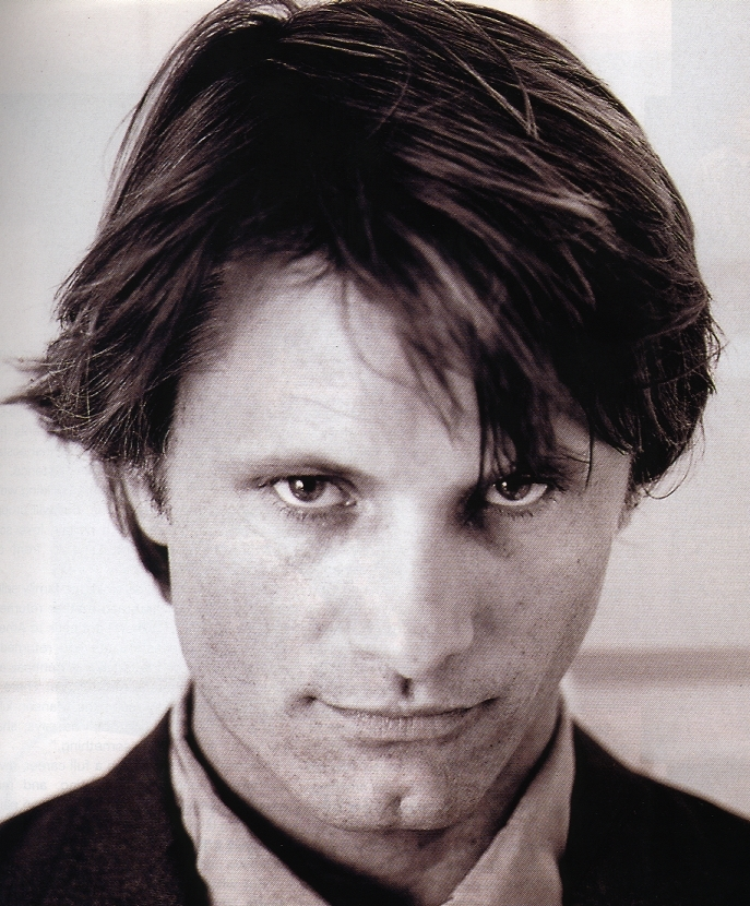 Viggo Mortensen Chipped Tooth