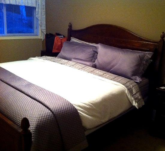 Serenata Guest House Bed. Entirely Viggo-worthy