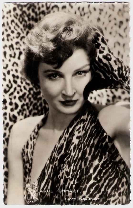 Carol Ohmart should have stayed a pantherian brunette rather than a leonine blonde