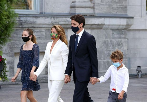 Ella-Grace, Sophie, Justin, and Hadrien Trudeau walk to Rideau Hall to meet the Governor General prior to her dissolving Parliament and calling an election.